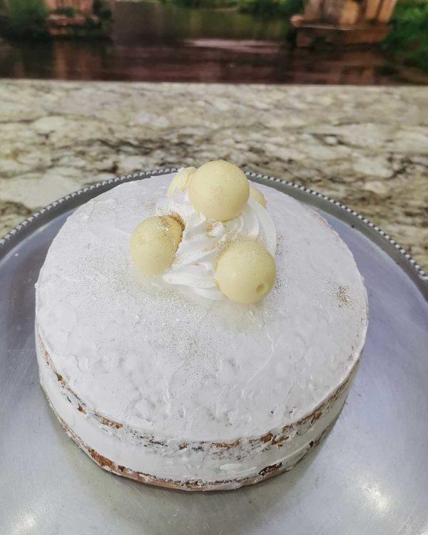 white lindt cake