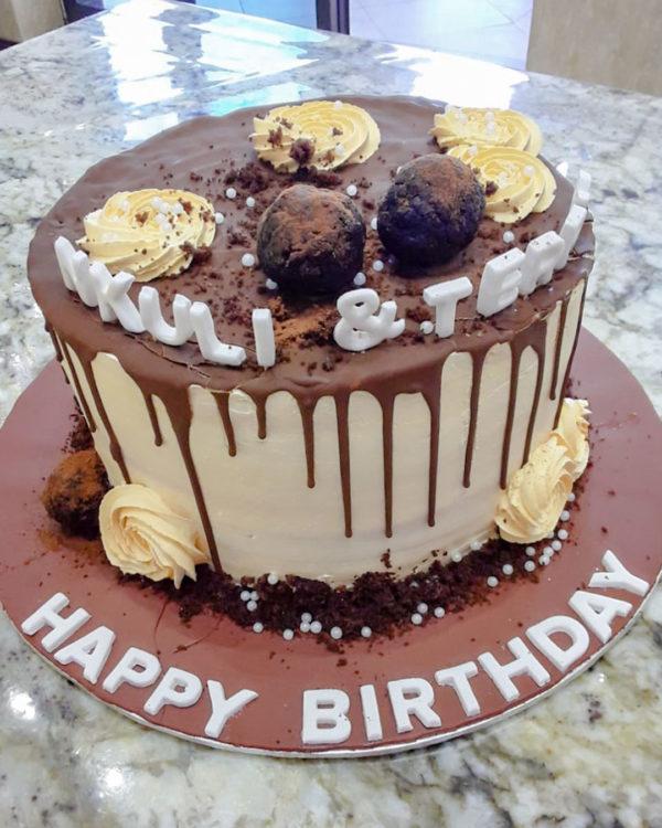 Dripping Cake 3