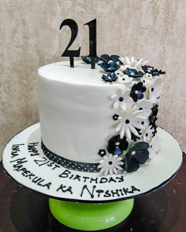 Black & White Flower Cake