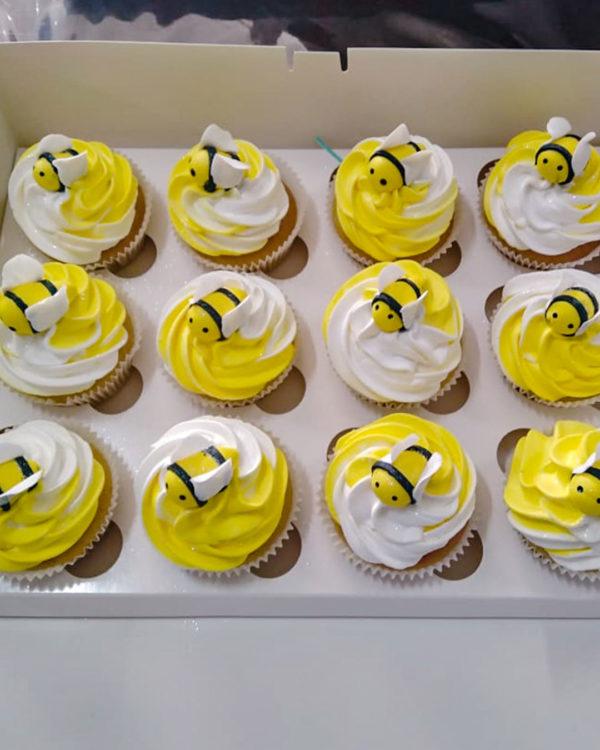 Fondant Bee Cupcakes