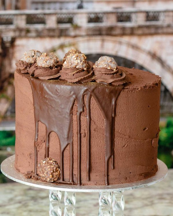 ferroroche buttercream cake